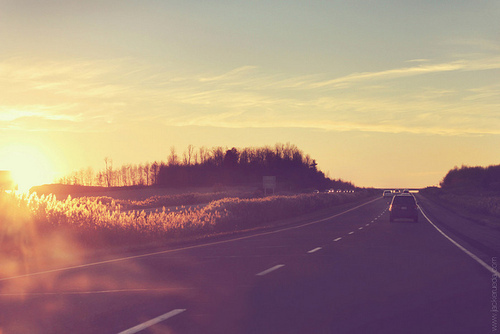 glaring-sun-on-road-trip